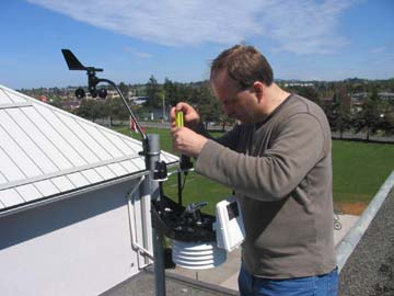 Photo of weather station installation on Cedar Hill Middle School